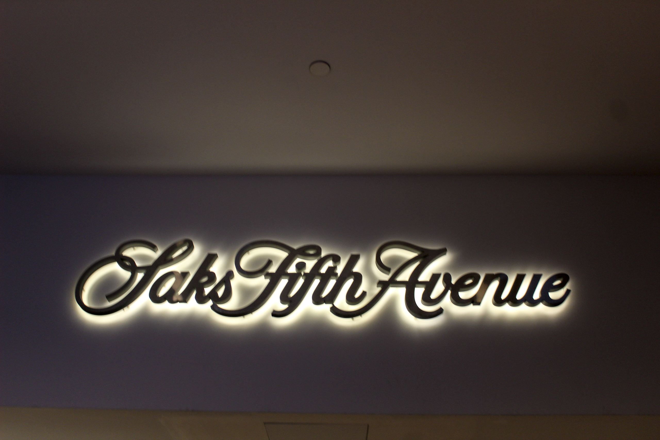 2 days in new york itinerary: shop forever at saks fifth avenue