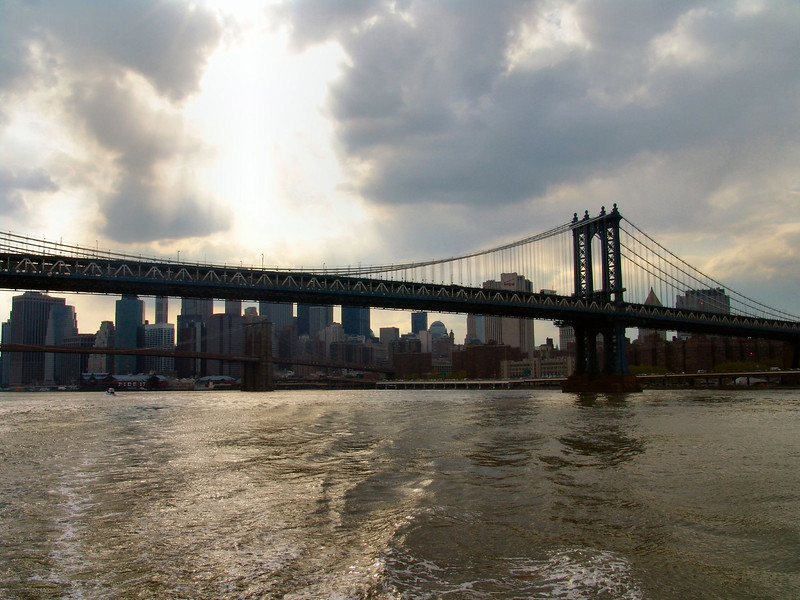 Cruise around Manhattan