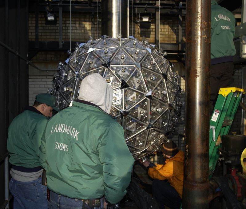 Setting up the Times Square Ball for New Years Eve 2002 NYC