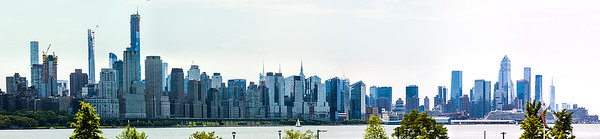 Manhattan_skyline_from_Weehawken_08042019