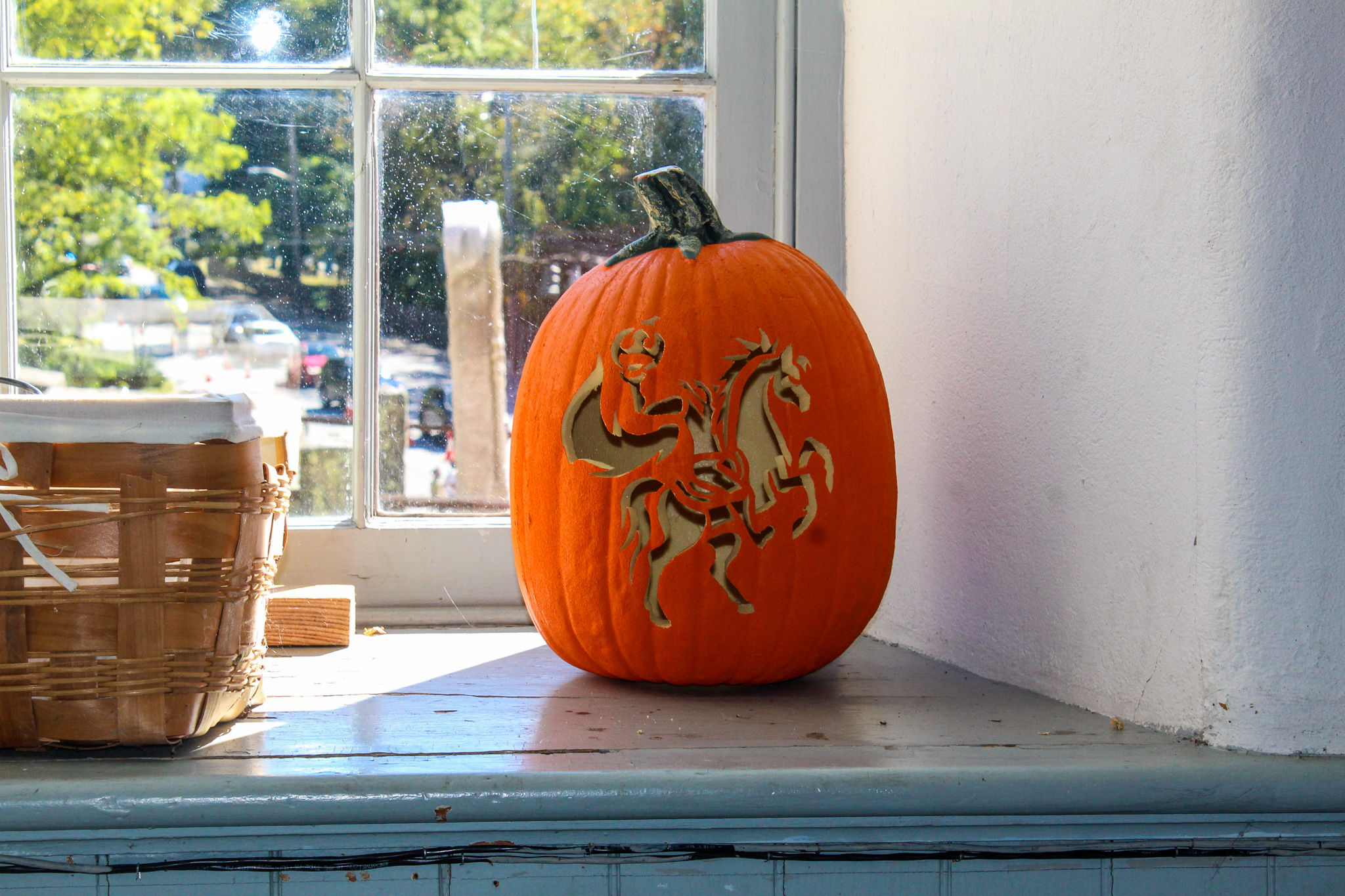 what to do in sleepy hollow ny: carving pumpkins everywhere