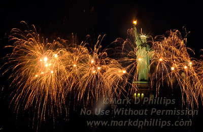 Statue of Liberty Fireworks 2