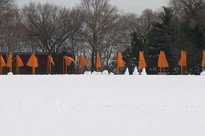 Gates snowmen