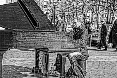 music on a cold winter's day in Washington Square, New York City
