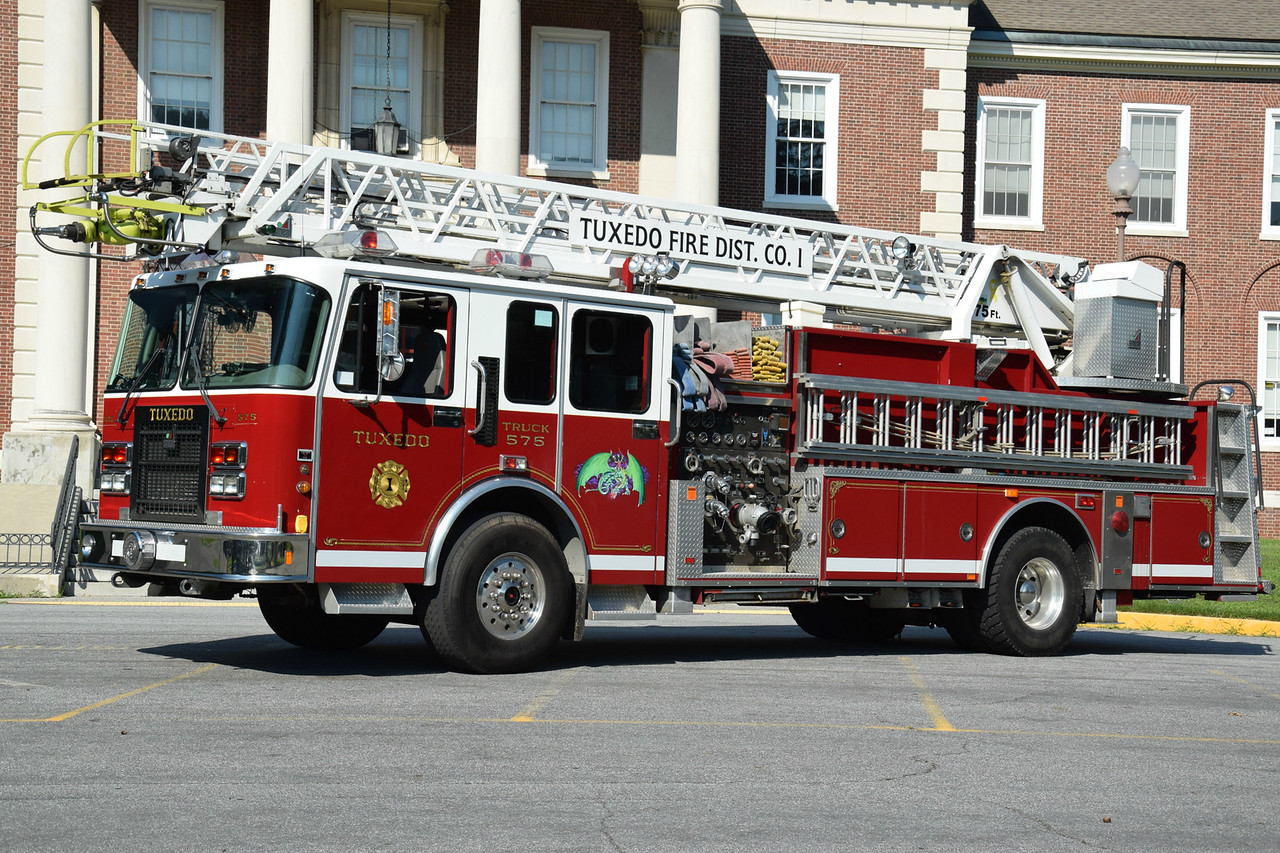 Tuexdo Park Fire Department Truck 575
