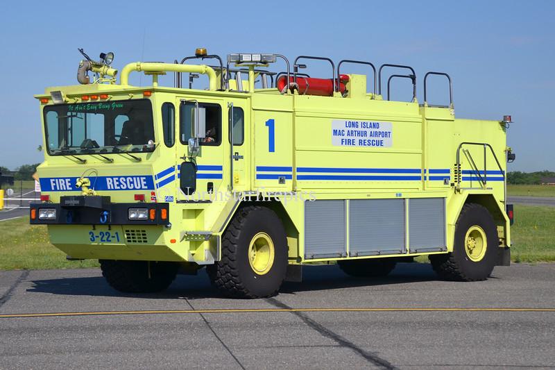 Long Island Mac Arthur AP R-1 0251
