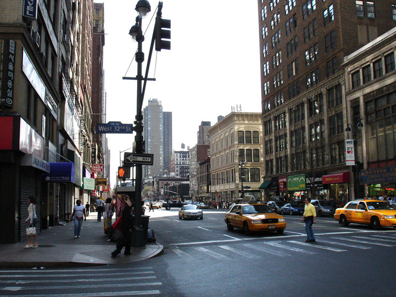 From the NE corner of 32th Street and Sixth Avenue, looking south down Sixth Avenue.