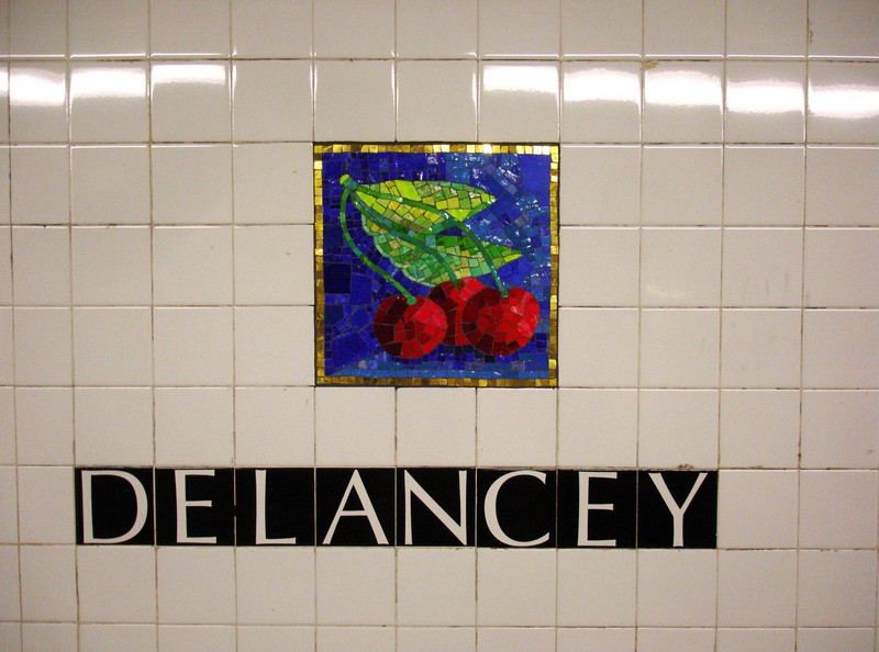 The F train's Delancey Street station is on the way to Katz's.