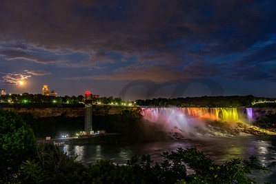 Full Moon over Niagara