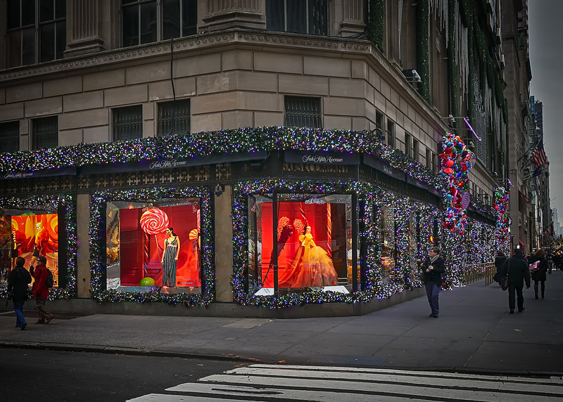 Saks 5th Ave