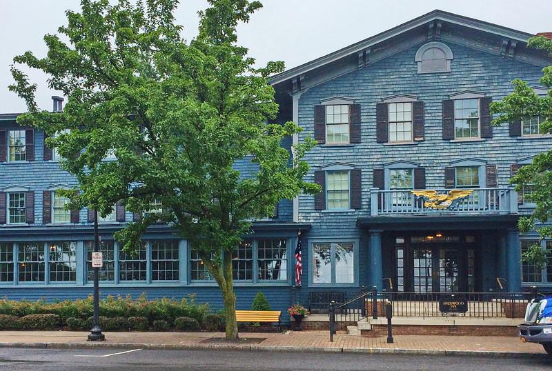 Sherwood Inn Facade