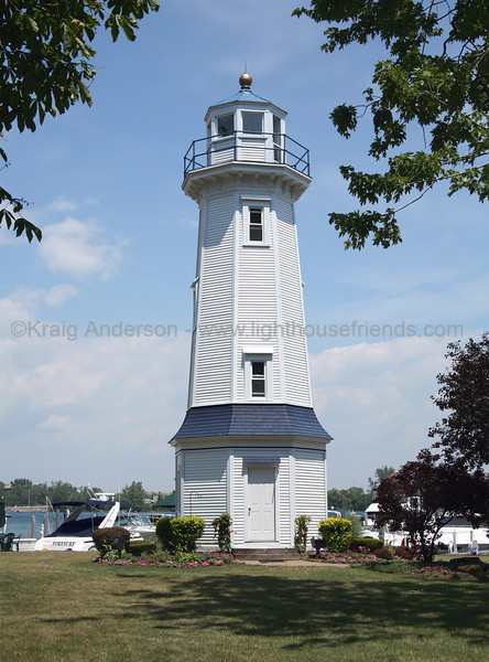 Grand Island Range Lighthouse