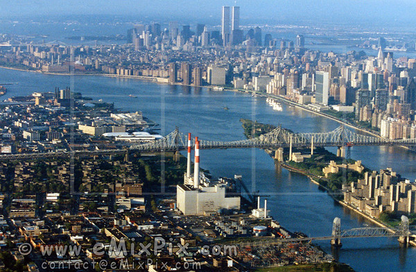 Historical (summer 1989) Aerial Image of MANHATTAN, New York