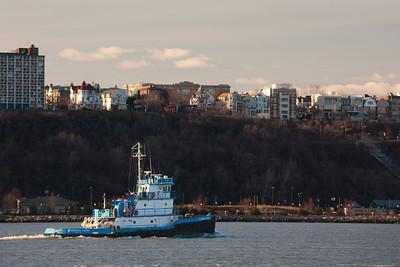 Shannon Dann tugboat & NJ palisades