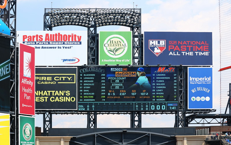 citiFIELD scoreboard Close-up