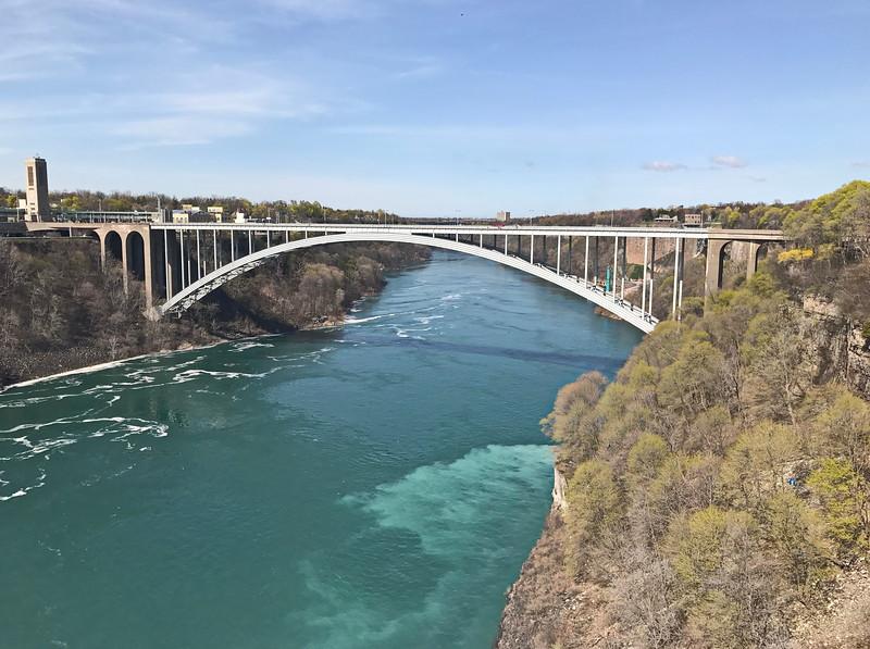 Rainbow Bridge from the USA to Canada