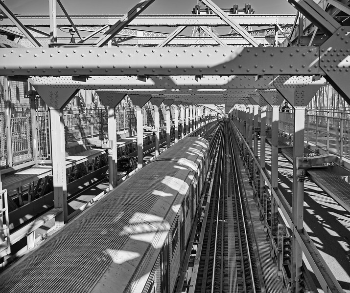 subway train on Williamsburg Bridge