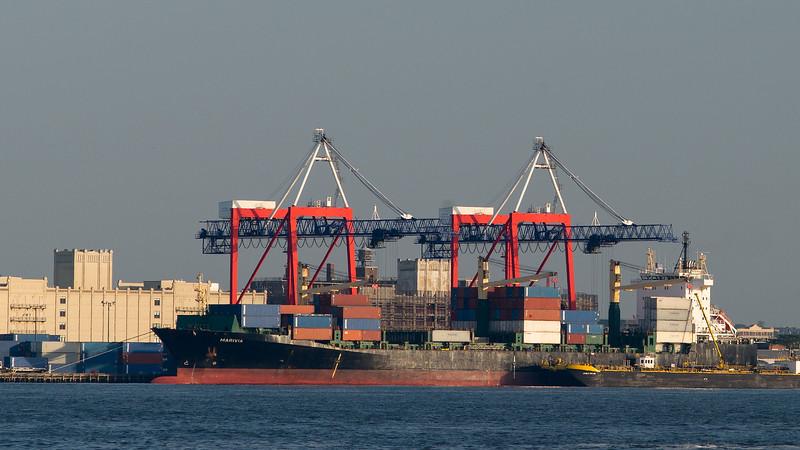 Marivia container ship Brooklyn