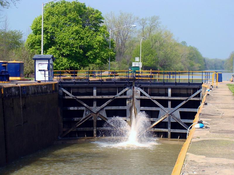 Water Fills the Lock