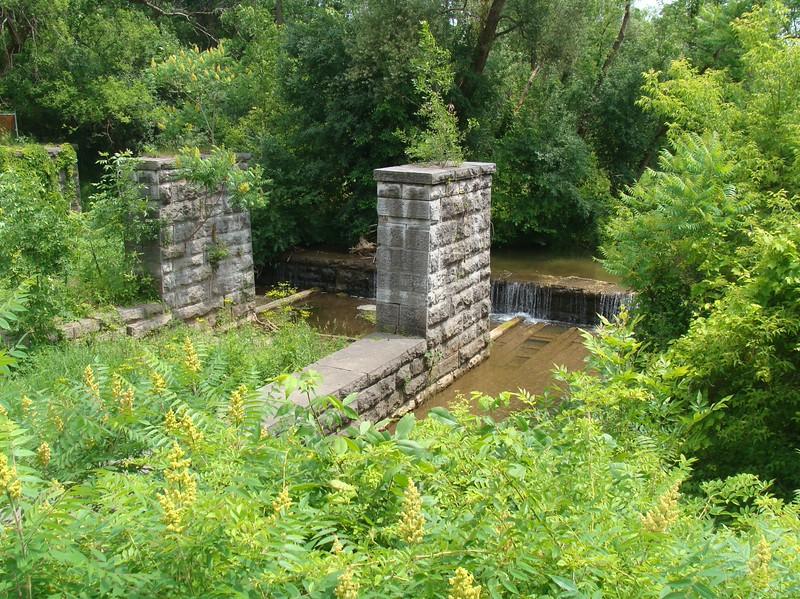 Centerport Aqueduct
