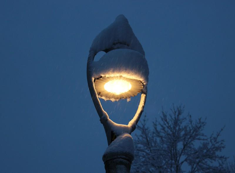 Snow Capped Harp Streetlight
