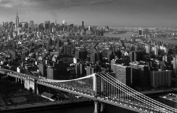 Manhattan and the Brooklyn Bridge - New york