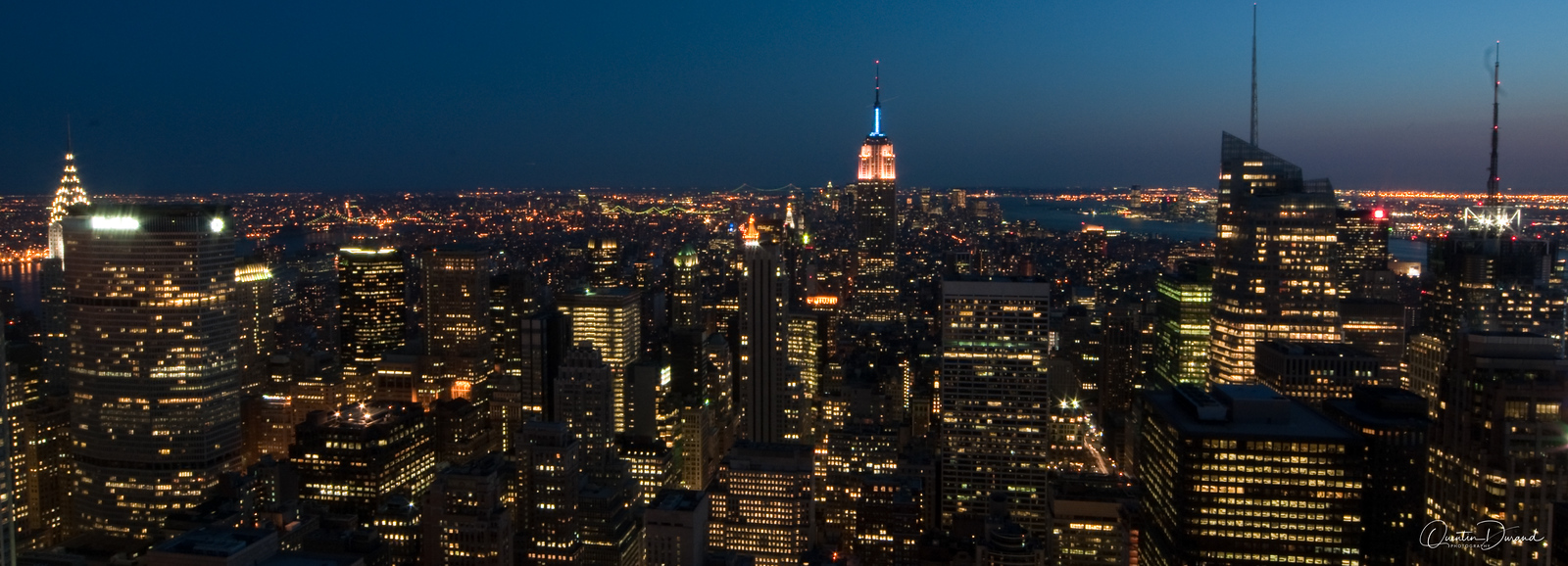 Manhattan by night - New York
