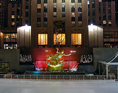 Rockerfeller Plaza ice Rink