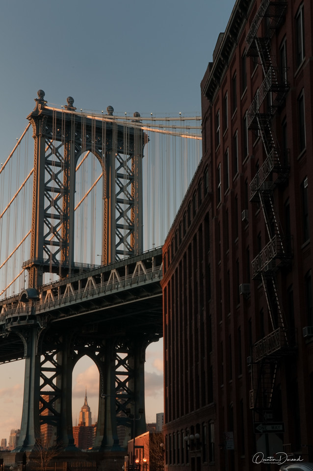 Empire State Building - Manhattan Bridge - New York