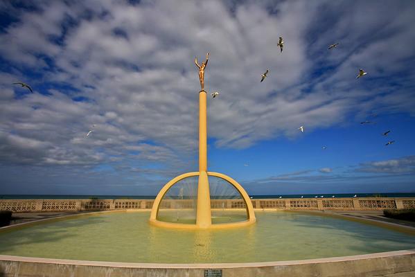 Spirit of Napier statue and memorial on Marine Parade