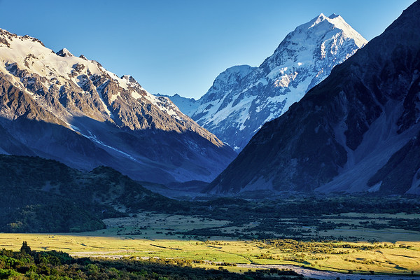 Aoraki Mt Cook at sunrise, New Zealand's tallest mountain, with Mt Wakefield in the foreground, looking down the Hooker Valley
