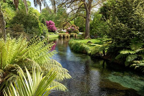 Avon River and Botanical Gardens in Hagley Park, Christchurch