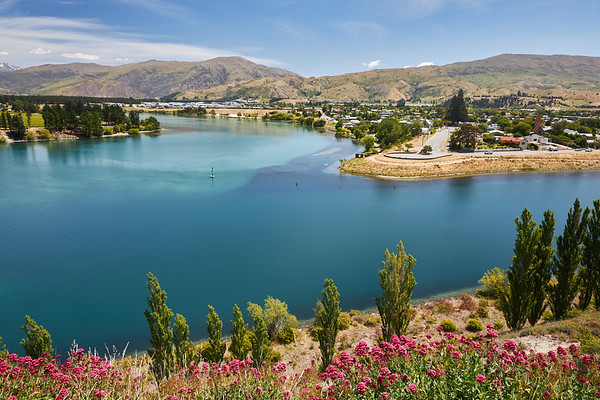 The town of Cromwell in Otago on the Clutha River