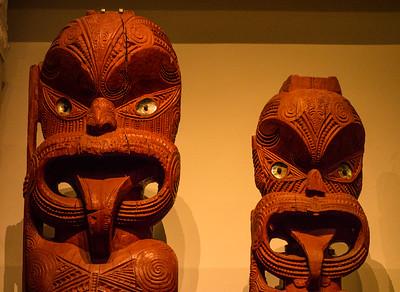 Maori figures Auckland Museum.