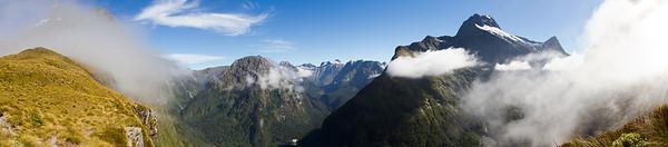 Mackinnon Pass - panorama 3