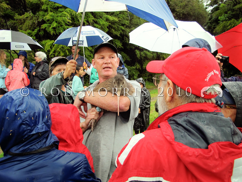 IMG_1230 Northland brown kiwi (Apteryx mantelli) Todd Hamilton, Project Manager for the Whangarei Heads Landcare Forum, talks with community members of the Tutukaka Landcare Coalition, in the rain, shortly before releasing a new kiwi into the bush behind Ngungaru *