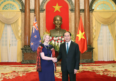 On 11 January 2017, our New Zealand Ambassador to Vietnam, H.E Wendy Matthews presented her credentials to President Tran Dai Quang. Proudly wearing the Korowai, the Ambassador was greeted by a guard of honour on the steps of the President's palace. Meeting President Tran Dai Quang, Ambassador Wendy thanked the President for his ongoing support for the New Zealand and Vietnam bilateral partnership. She noted the strong areas of existing cooperation in trade, education, agriculture, development assistance and defence, but emphasised that there was opportunity for greater deepening of the relationship in the future as New Zealand and Viet Nam build towards a Strategic Partnership. The good cooperation between New Zealand and Viet Nam in multilateral and regional fora was emphasised by both sides, with APEC and TPP as key priorities. We wish our newly-accredited Ambassador a great term ahead, and the New Zealand Embassy will work hard to continue to develop the linkages and friendship between Vietnam and New Zealand. Picture credit: Mr. Nhan Sáng