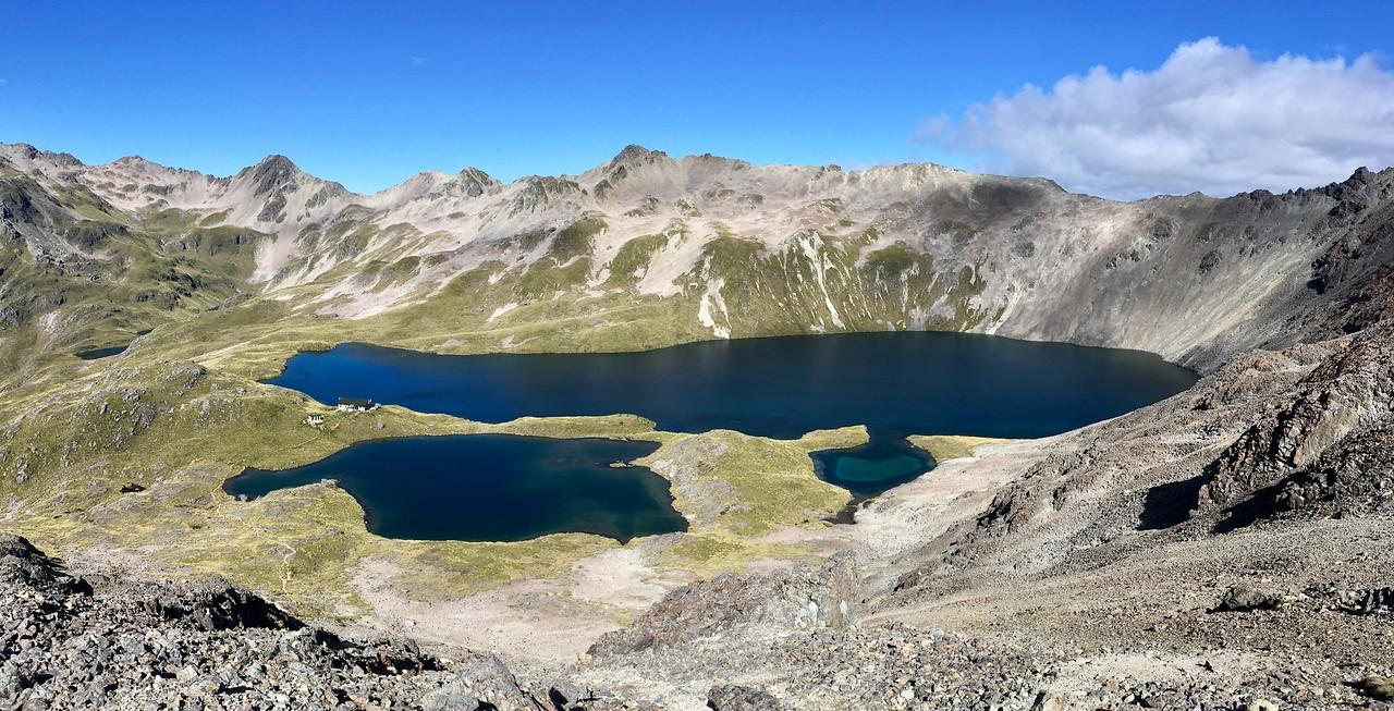 Angelus Lake with DoC hut