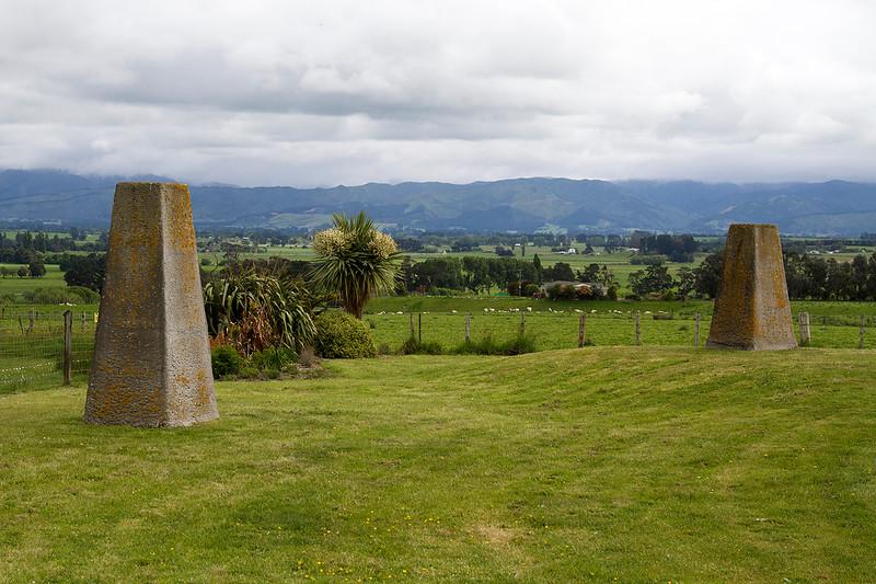 stone markers stonehenge nz