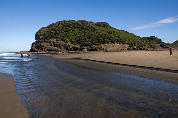 Ihumoana Island Bethells Beach New Zealand - 9 Apr 2007