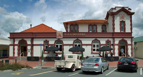 GPO Bar Cambridge New Zealand - 4 Nov 2006