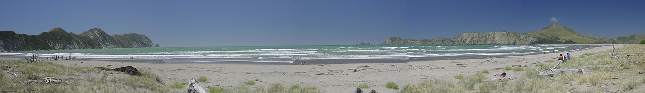 Tolaga Bay beach Eastland New Zealand - 1 Jan 2004