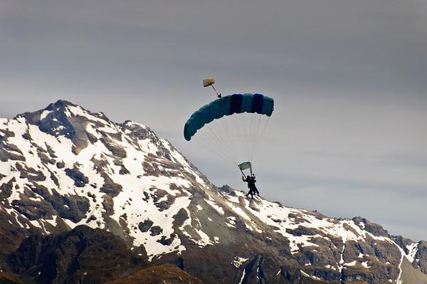 Tandem hang gliding Glenorchy South Island New Zealand