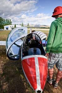 Glider pre-flight check Omarama Airfield
