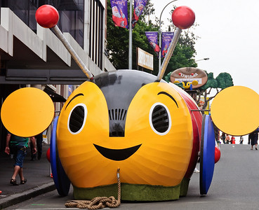 Buzzy bee float Santa Parade Auckland
