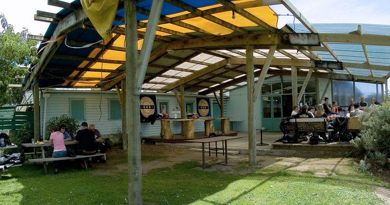 Courtyard Kaukapakapa Hotel Kaukapakapa New Zealand - 22 Jan 2006