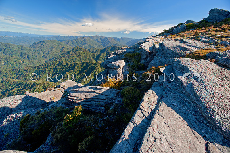DSC_9181 Denniston Plateau escarpment edge *
