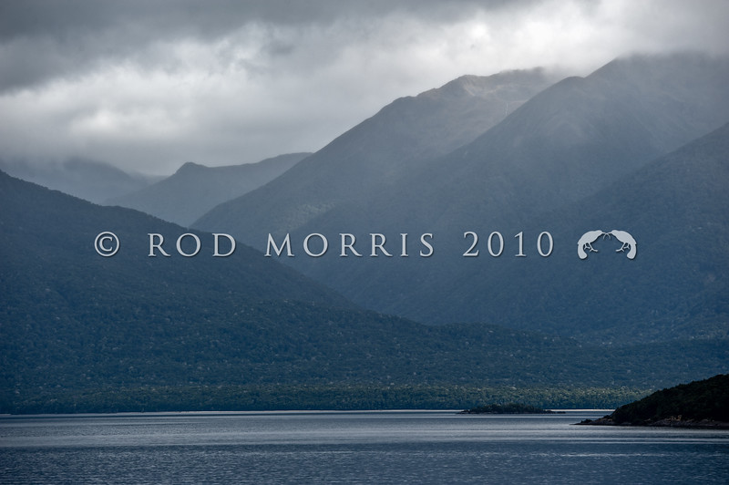 DSC_3009 view of storm across Lake Manapouri *