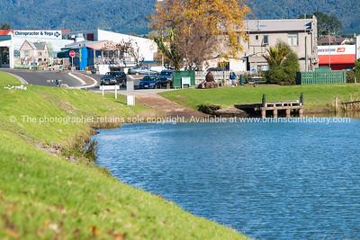 Katikati town and Uretara River landing.