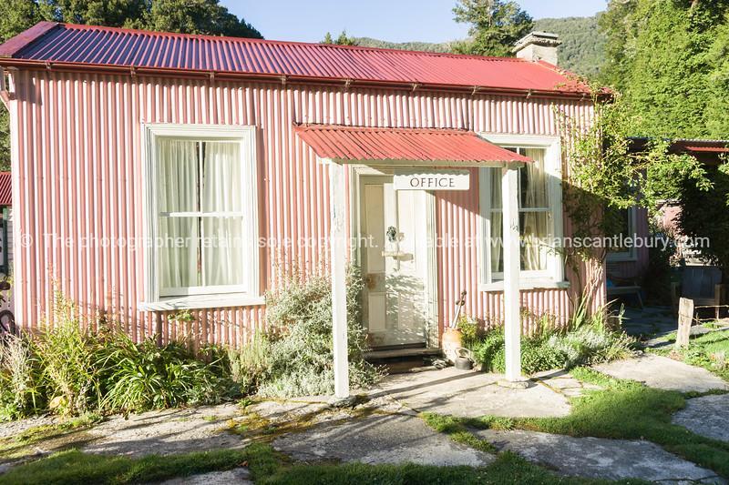Quaint Paradise office building.